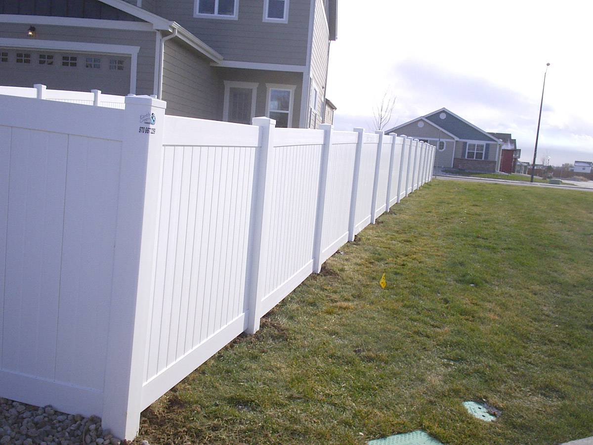 Privacy fence vinyl fencing installation in loveland