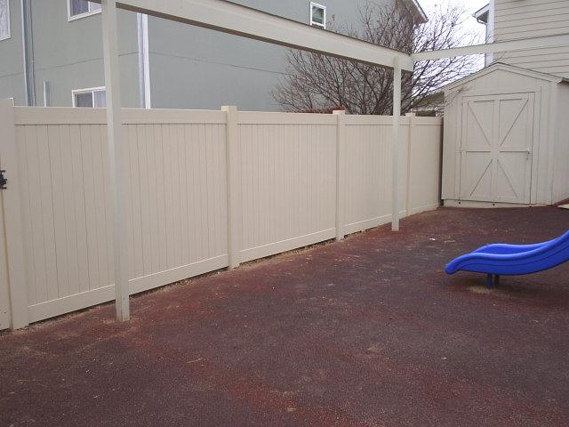 vinyl fencing installation